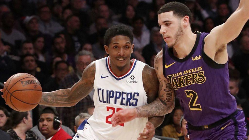 Lou Williams au duel avec le sophomore Lonzo Ball. Les Clippers battent les Lakers.