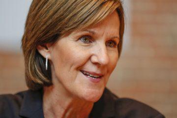 En devenant directrice adjointe de la franchise d'Indiana, Kelly Krauskopf devient la première femme la plus haut placée dans un bureau de la NBA