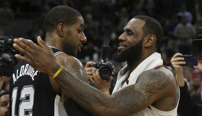 Chaque saison, une statistique réunit LeBron James et LaMarcus Aldridge : ce sont les deux seuls joueurs à inscrire au minimum 500 points par saison depuis 2006