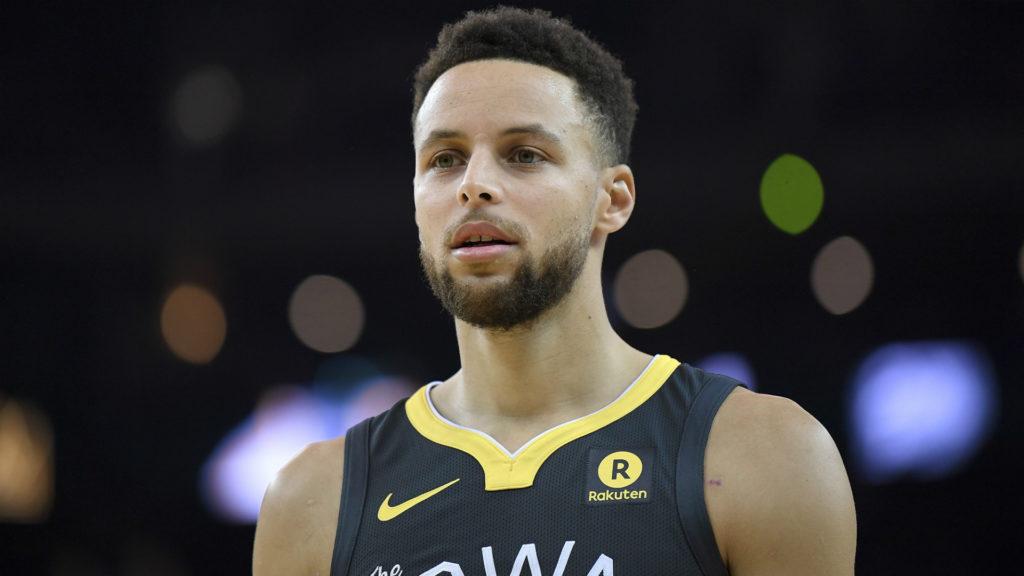 Stephen Curry frustré par la défaite contre les Rockets