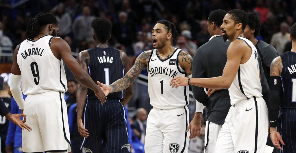 DAngelo Russell, DeMarre Carroll et Spencer Dinwiddie face à Orlando