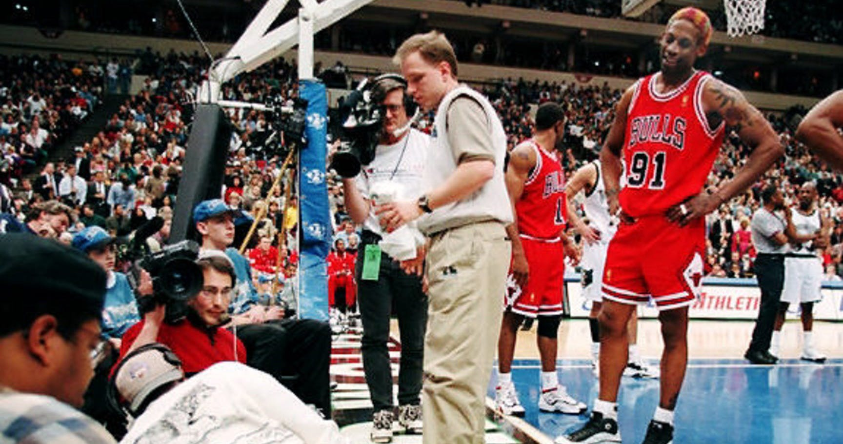 Dennis Rodman coup de pied cameraman
