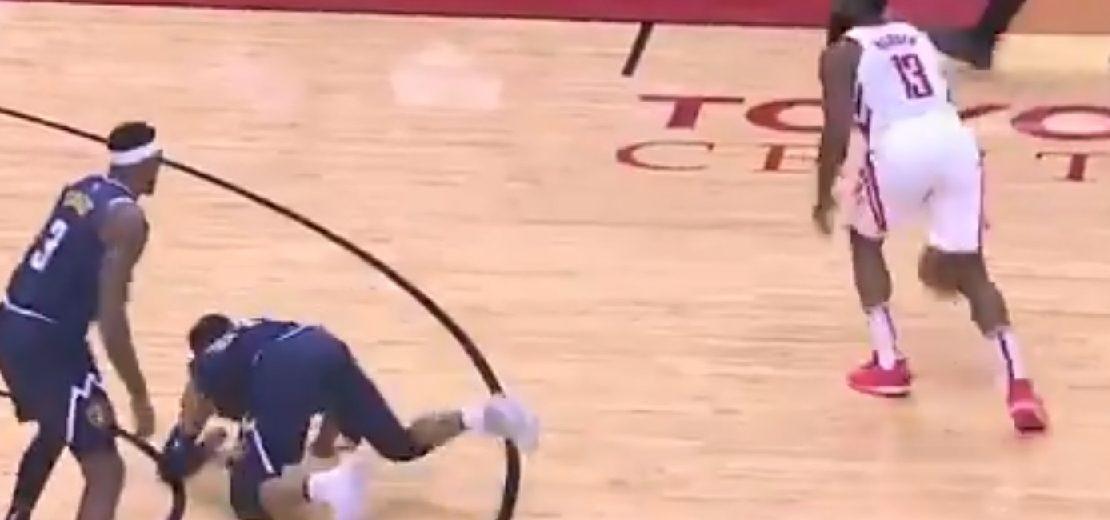2e4de6897cd7 NBA - James Harden refait le coup du crossover mortel !