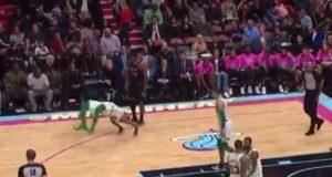 NBA – Marcus Smart fait une Shawn Michaels
