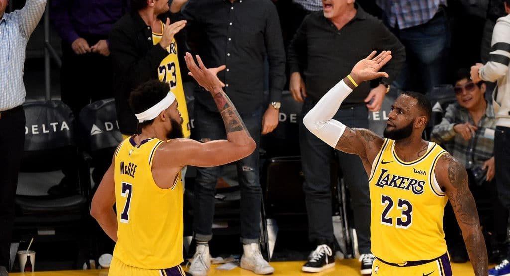 LeBron James a manqué le triple-double à une passe près hier soir, la faute à un JaVale McGee qui n'arrive pas à rentrer des dunks ouverts