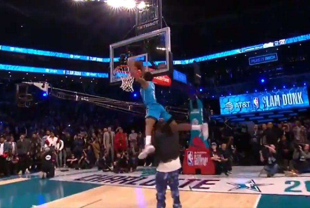 Hamidou Diallo remporte le Slam Dunk Contest après un dunk sur Quavo