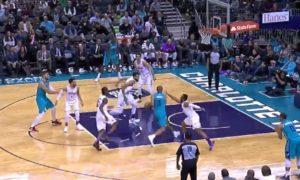NBA – Nicolas Batum lâche un gros dunk sur Karl-Anthony Towns !