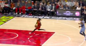 NBA – Top 10 : DeAndre Bembry régale avec un 360 !