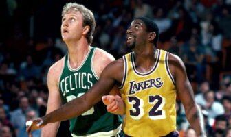 Larry Bird et Magic Johnson durant un Celtics/Lakers
