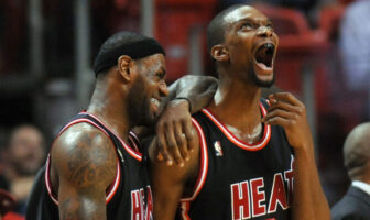 LeBron James Chris Bosh retrait maillot