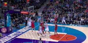 NBA – Top 10 : Marvin Williams se chauffe en baseline