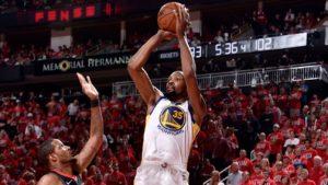 NBA – La technique de Kevin Durant pour rester adroit
