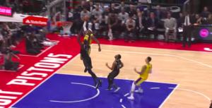 NBA – Top 10 : Kentavious Caldwell-Pope envoie Thon Maker en enfer