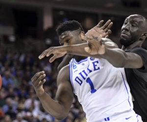 Tacko Fall face à Zion Williamson