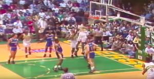 NBA – 30 avril 1992 : Shawn Kemp pose l'un des dunks les plus humiliants de l'histoire