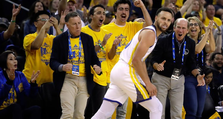 Stephen Curry 400 trois points playoffs record golden state warriors nba