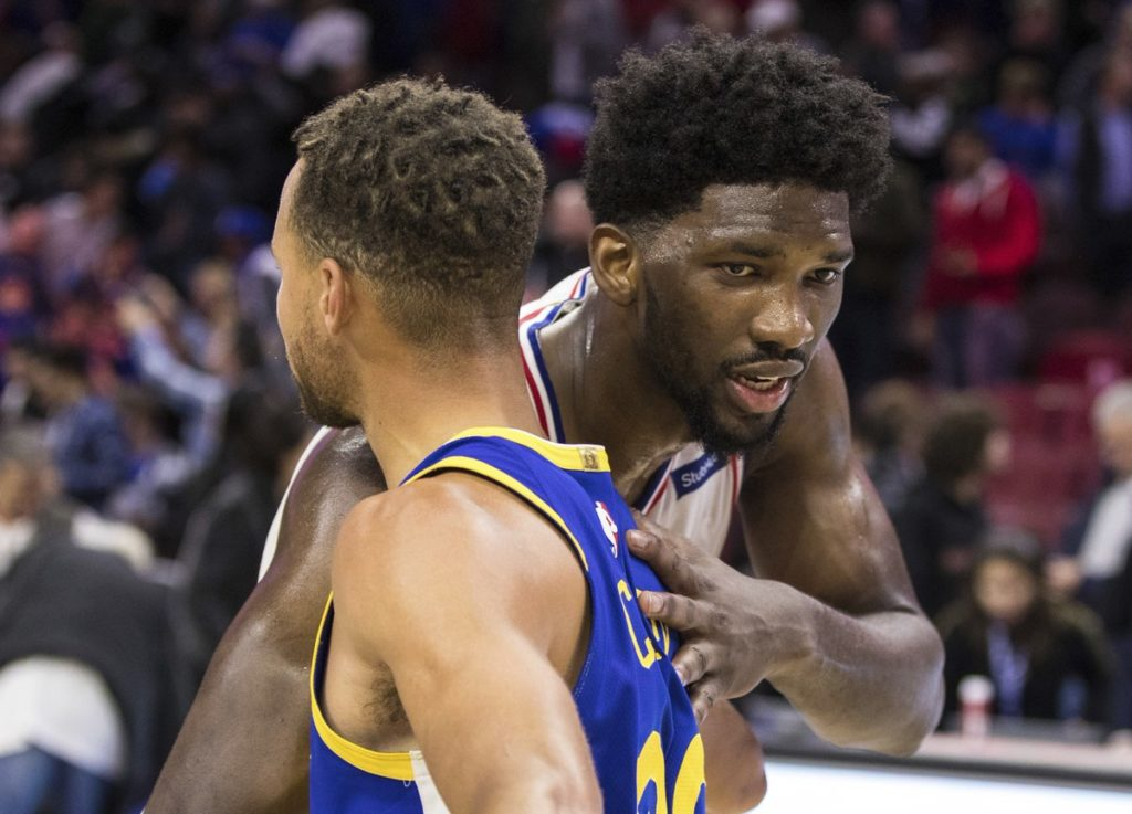 Stephen Curry et Joel Embiid