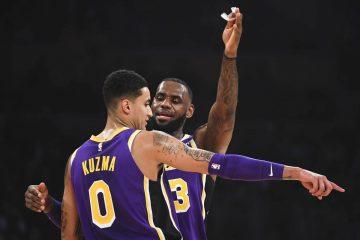 Kyle Kuzma et LeBron James sous le maillot des Lakers