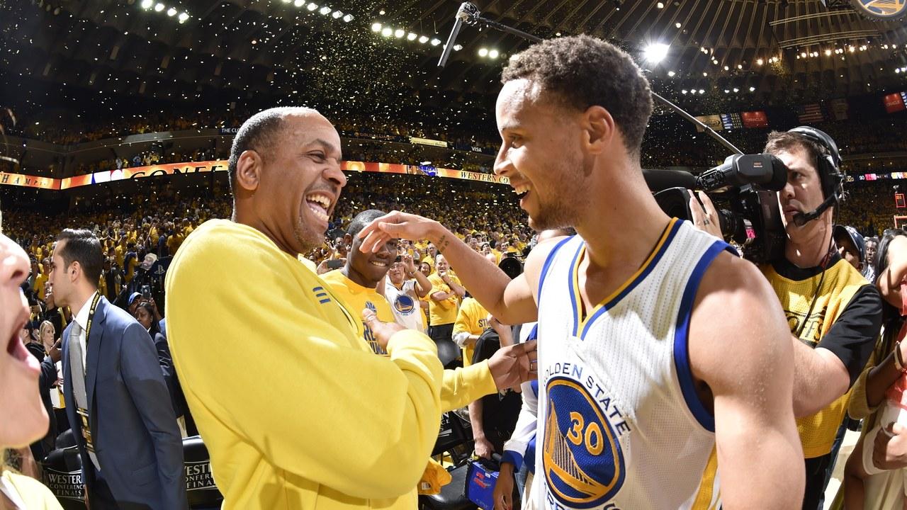 Dell Curry et son fils Steph célèbrent