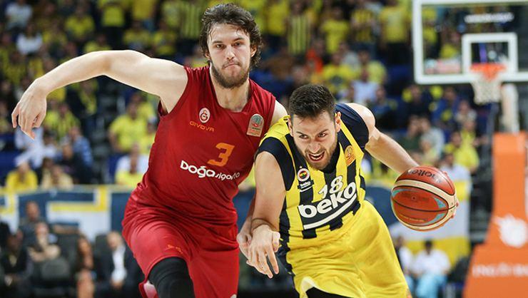 51 points pour le jeune joueur du Fenerbahçe