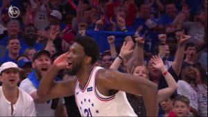NBA – Top 5 : Joel Embiid fait lever le Wells Fargo Center