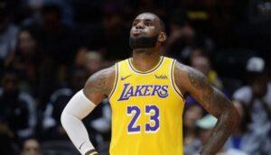 NBA – LeBron sort des chaussures polémiques… sur le débat du GOAT