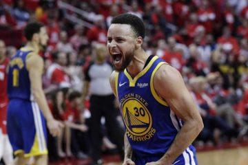 Stephen Curry fou de joie après une action décisive