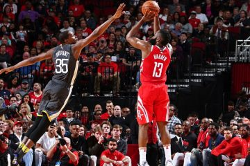 Le step-back de James Harden est-il au niveau des moves de Jordan ou Kareem ?