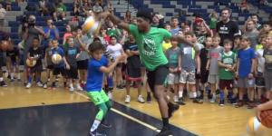 NBA – Marcus Smart humilie un gamin de 10 ans