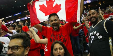 Raptors fans fous titre