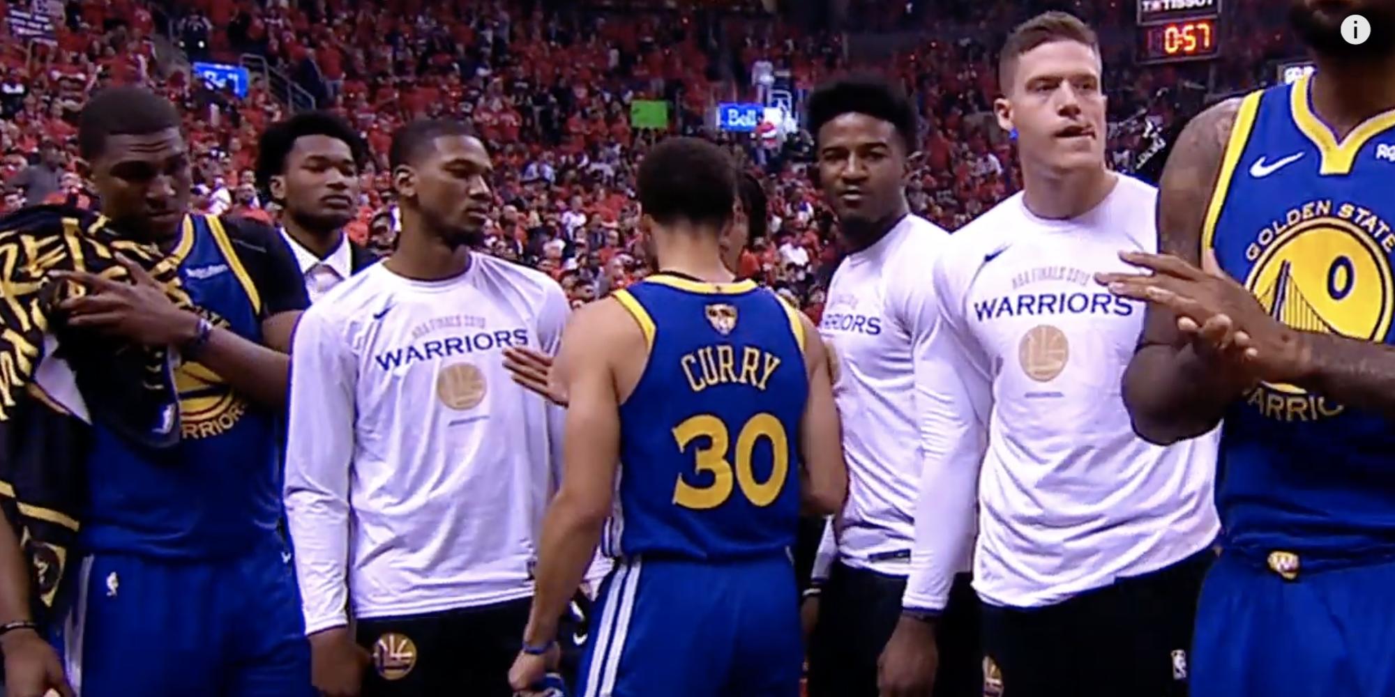 Stephen Curry remobilise les Warriors après la blessure de Kevin Durant dans le Game 5 contre Toronto