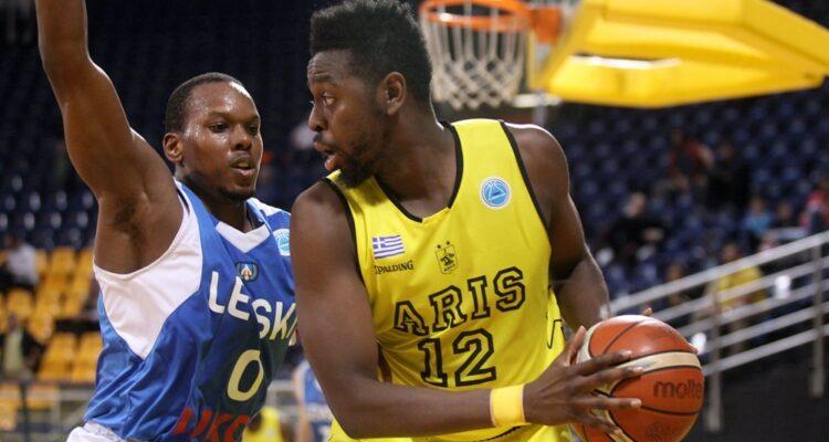 Dallo remplace Nzeulie dans les rangs de Strasbourg