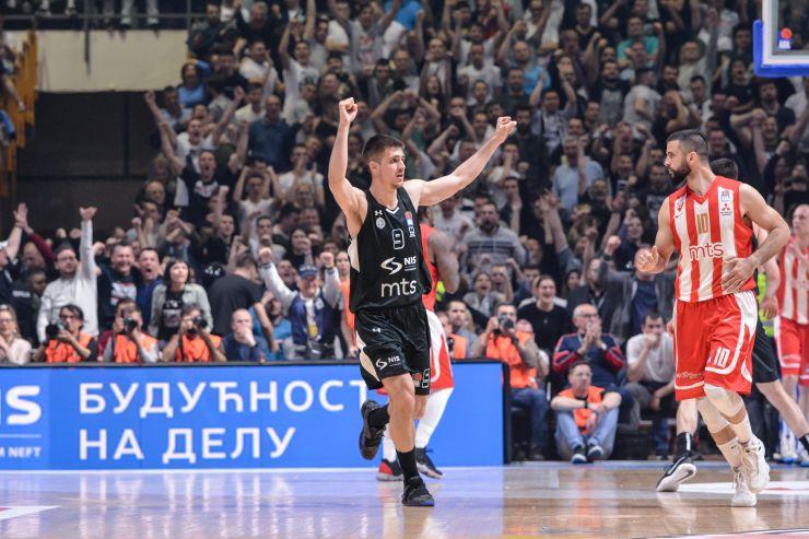 Accord de 3 saisons entre le serbe et Valence