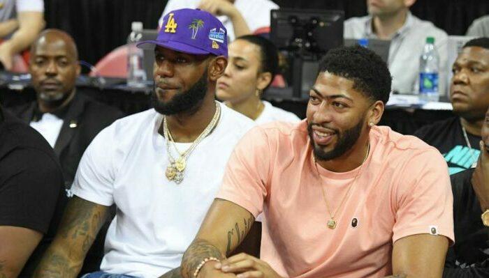 LeBron James et Anthony Davis lors de la summer league