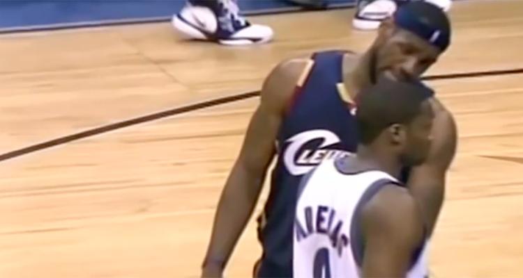 LeBron James trashtalk Gilberta Arenas lors du Game 6 du premier tour des playoffs 2006