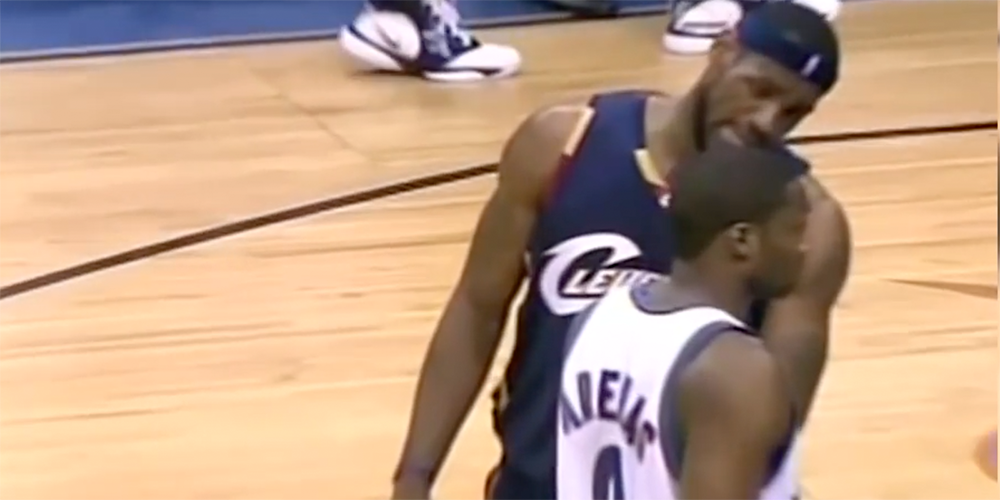 LeBron James trashtalk Gilberta Arenas lors du Game 6 du premier tour des playoffs 2006