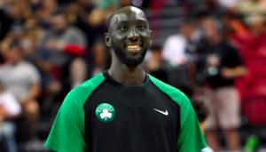 NBA – Tacko Fall plante un trois points et dégomme Vincent Poirier