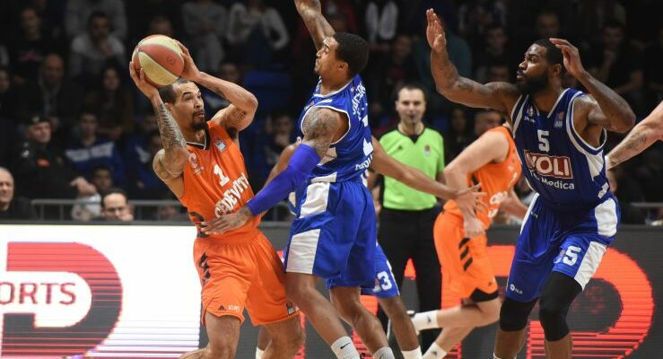 Le meneur reste en ABA League mais change de pays