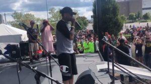 NBA – Allen Iverson ému en s'adressant aux fans à Philadelphie