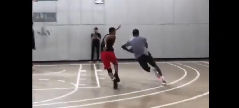 CJ McCollum contre JR Smith à l'entraînement