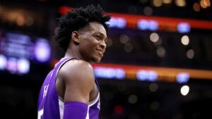 NBA – De'Aaron Fox offusqué par sa note de dunk sur 2K20, Luka Doncic ironise