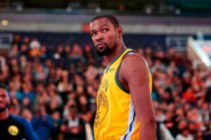 NBA – Kevin Durant donne son avis sur le fameux débat de la prise à deux