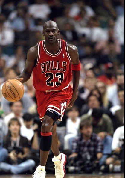 meilleur site web 68dc9 8038c NBA - 5 joueurs anormalement grands par rapport à leurs parents