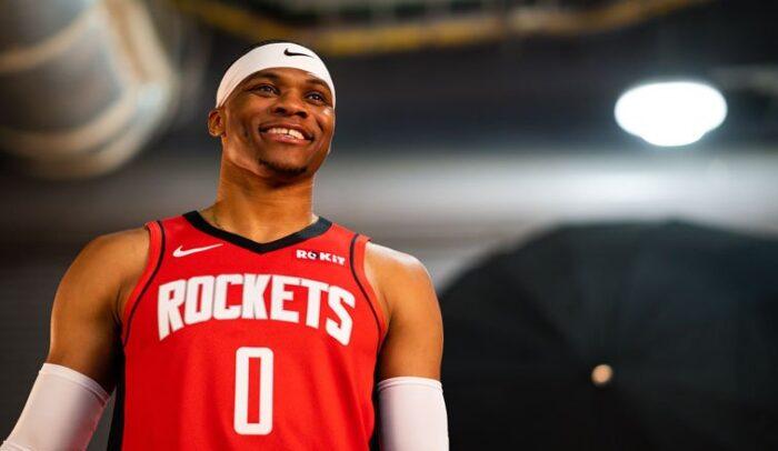 Russell Westbrook sous la tenue des Rockets