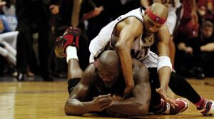 NBA – Vince Carter a failli faire signer Shaq à Toronto
