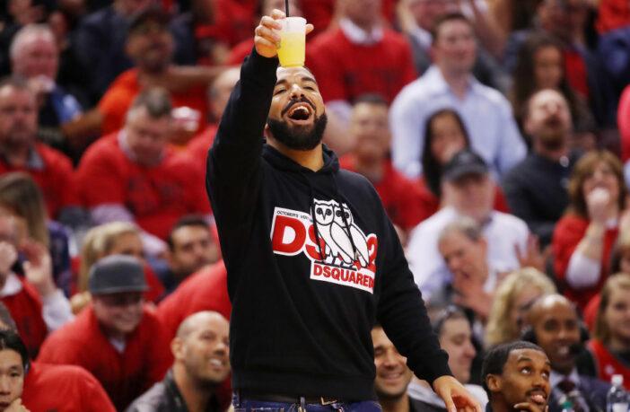Drake prête son avion avion privé aux Kings de Sacramento