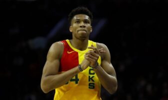 Giannis amende bucks