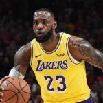 NBA – Un mythique maillot de LeBron mis aux enchères, une somme affolante annoncée
