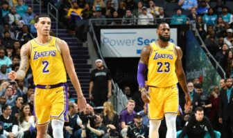 lebron james et lonzo ball sous le maillot des lakers