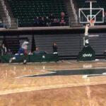 NBA – Sekou Doumbouya lâche deux énormes dunks en concours !